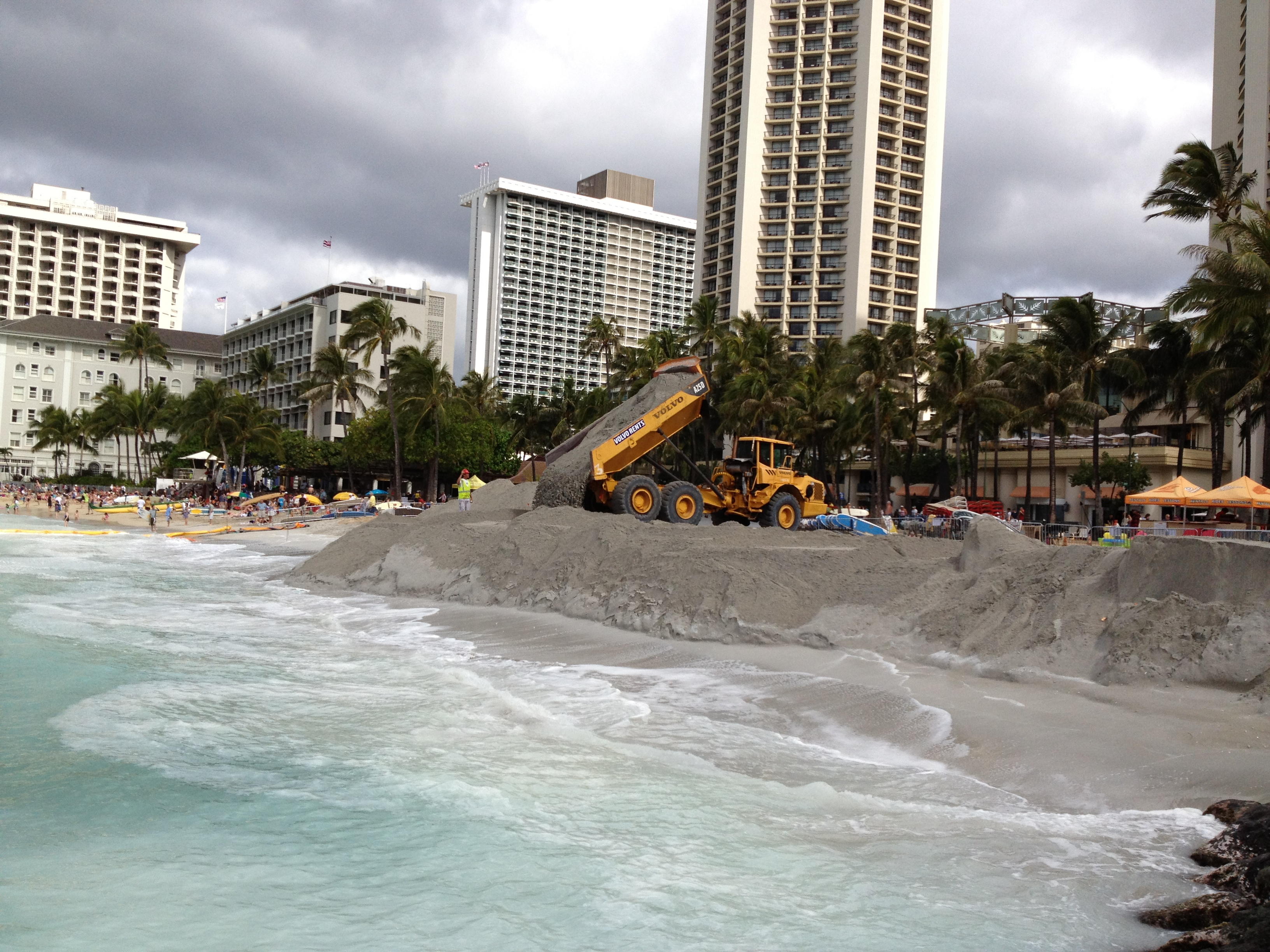 2012 Waikiki sand replenishment