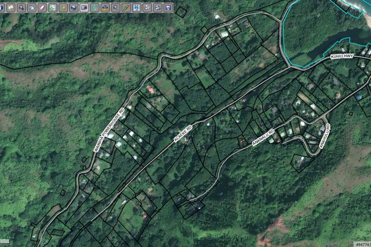 Kauai County Parcels adjacent to Stream